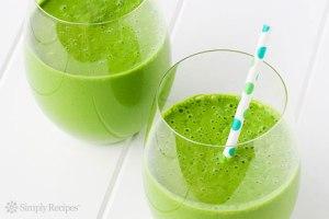 green-smoothie-horizontal-2
